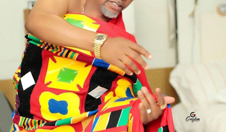 Fadda Dickson Stuns In Beautiful Kente As He celebrates Independence day